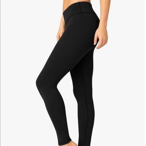 NWT Beyond Yoga Essential Long Leggings XS